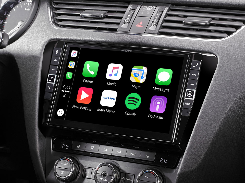 Skoda-Octavia-3-Mobile-Media-System-i902D-OC3-with-Apple-CarPlay
